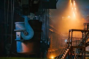 期間工の工場